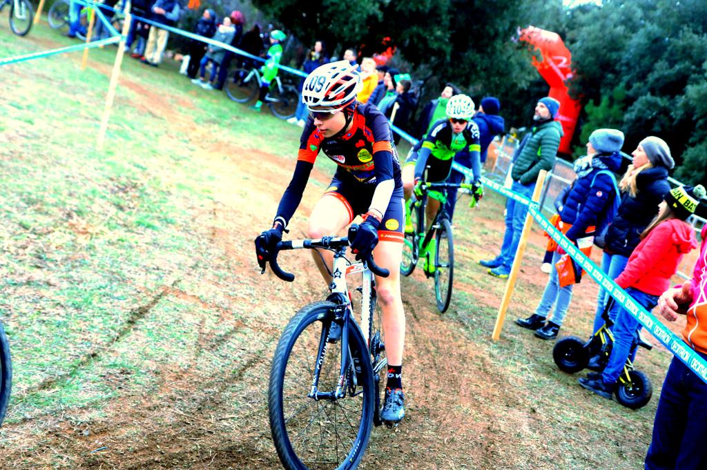 Sylve Truc impegnata nel ciclocross (foto Ghilardi)